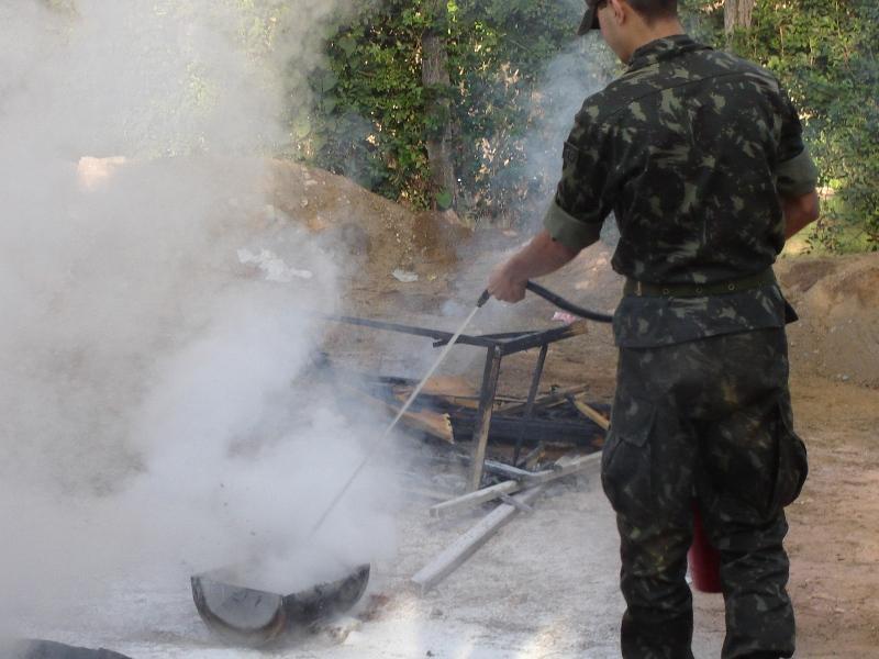 Tiro de Guerra realiza instrução prática de combate a incêndio