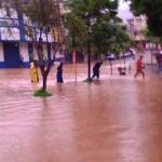 Nível do Rio Carangola continua subindo.