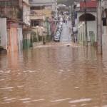 Enchente no centro de Carangola