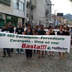 Manifestação pelo fechamento da BR 482 mobiliza Carangola e Região.