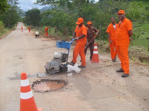 Iniciadas as obras de recuperação BR 482 trecho Carangola/Fervedouro.