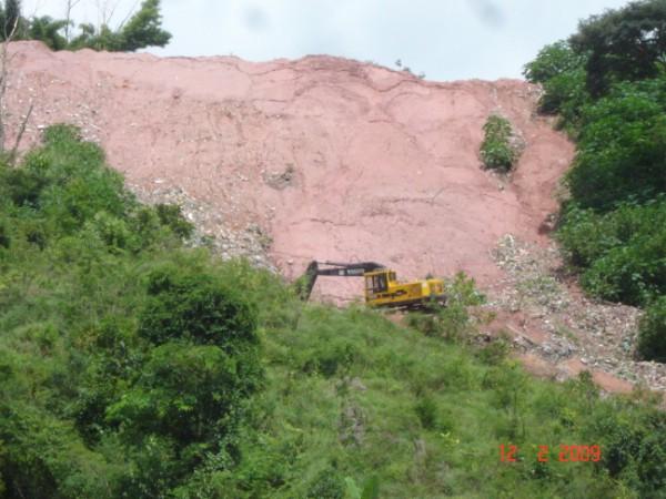 Prefeitura de Manhumirim recupera área do antigo lixão