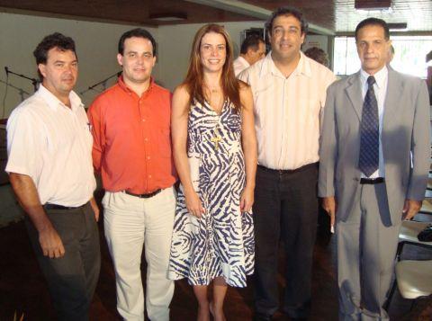 Prefeito de Manhumirim e secretários participam de encontro com Érica Drumond