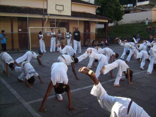 Todos os grupos de capoeira reunidos