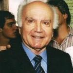Dr.Fernando Costa continua Prefeito de Carangola.