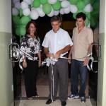 Secretária de Saúde Rogeria , Pref. José Costa e o filho do homenageado Elias Melo Junior
