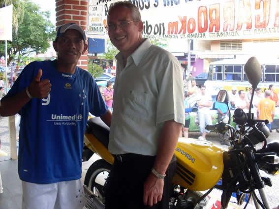 Pantanal recebe o premio, uma moto 0KM
