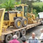 Carreta fica agarrada no trecho acidentado da BR 482 Carangola - Fervedouro