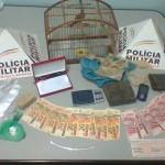 Policia Militar de São Francisco do Glória prende autor por tráfico de drogas.