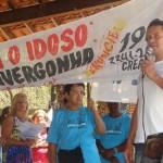 Manhumirim encerra  Semana do Idoso com manifestação contra a violência.