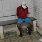 A Polícia Militar de Carangola prendeu um traficante de drogas depois de receber uma denúncia anônima.