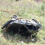 Veículo despencou pela encosta na prainha.