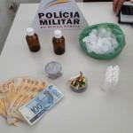 Mulher de 32 anos é presa por tráfico de drogas em Carangola.