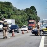 Trinta e três pessoas morrem durante feriado em rodovias de MG.