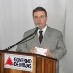 Governador Anastasia lança decreto que prevê multa para proprietário de imóvel com água acumulada