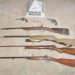 Duas pessoas são presas e seis armas são apreendidas em Fervedouro.
