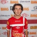 Acidente de carro mata Marcos jogador do Tombense.