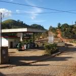 Dupla assalta 2 estabelecimentos e aterroriza distrito de Tombos.