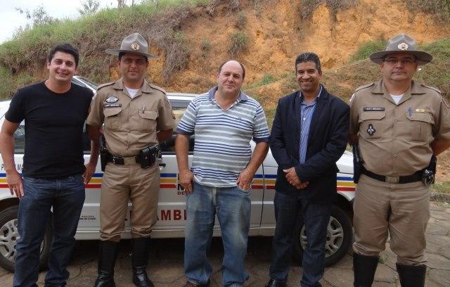 Vice-prefeito Geraldo Rhodes; Sgt. PM Meio Ambiente, Edgar; Cafeicultor Adilson Carvalho de Abreu (Dedé); Prefeito José Carlos Pereira e Comandante da PM/Meio Ambiente do 11º BPM, Sgt. Rildo.