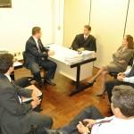 Diretoria da OAB Manhuaçu visita juiz do Trabalho.