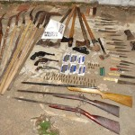 Fervedouro - Policia Militar  apreende arsenal.