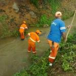Limpeza dos córregos e do Rio Manhuaçu.