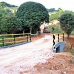 Prefeitura de Manhuaçu inaugura ponte no Córrego São Bento.