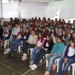 CEM: alunos assistem palestra sobre trânsito.