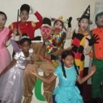 Crianças e adolescentes de projeto social de Espera Feliz participam do 10° Festival Nacional de Teatro de Duque de Caxias