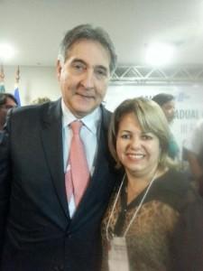 A Prefeita Darci Braga com o ministro do Desenvolvimento, Indústria e Comércio Exterior, Fernando Pimentel