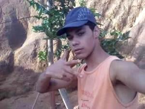 Adonias Freitas Tavares, 17 anos, foi morto com 4 tiros (Foto: reprodução Facebook)