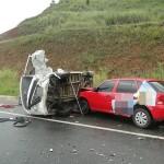 Acidente na BR-116, próximo a Miradouro deixa três pessoas feridas.
