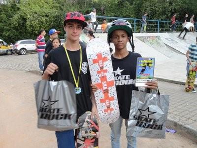 Diego Moura é um dos destaques do 5º Campeonato de Skate em Muriaé.