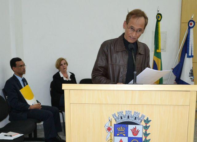 Alexandre durante discurso na Câmara.
