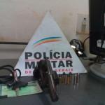 PM de Carangola prende autor por porte ilegal de arma de fogo.