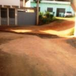 Manutenção na Rua Felipe próximo ao Colégio Santa Luzia.