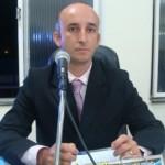 Manhumirim: Vereador Serginho Borel rejeita auxílio-alimentação aprovado por Câmara.