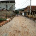 Carangola - Prefeitura calça mais uma rua no Bairro Eldorado.