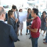 Governo de Manhuaçu dialoga com manifestantes sobre Minha Casa, Minha Vida.