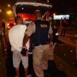 Duas pessoas de Carangola são presas com droga após cerco policial.Foram comprar para revender na região.