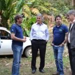 Prefeito Nailton Heringer visita produção de café da Fazenda Dutra.