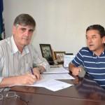 Novo Inspetor do CREA em Manhuaçu visita Nailton Heringer.
