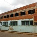 Obras de reforma e ampliação da Escola Alfredo Breder.