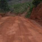 Começa o patrolamento nas estradas de Manhuaçu.