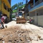 Manhuaçu - Obras realiza limpez após chuvas.