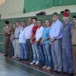 Manhuaçu - Jovens alistados participam de juramento à Bandeira e entrega de CDI.