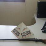 Arma é apreendida pela PM Ambiental em Caiana.
