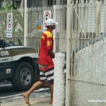 Carangola: PM prende jovem armado que se escondeu no cemitério.