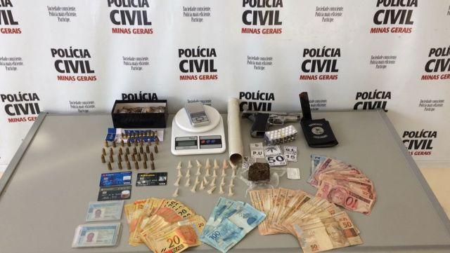 Em Cataguases: Polícia Civil apreende arma, drogas e prende dois suspeitos.