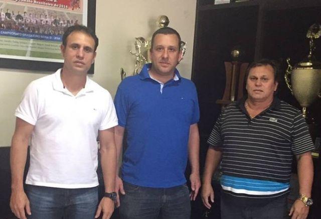 Leandro Gaviolle Diretor de futebol, Raúl Cabral(novo Técnico)  e Lane Gaviolle Presidente de futebol , se reuniram nesta quarta e selaram o acordo